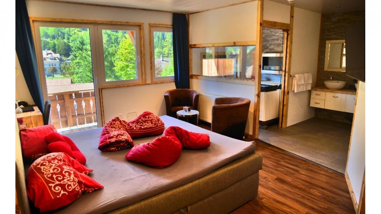 romantische nacht f r zwei. Black Bedroom Furniture Sets. Home Design Ideas