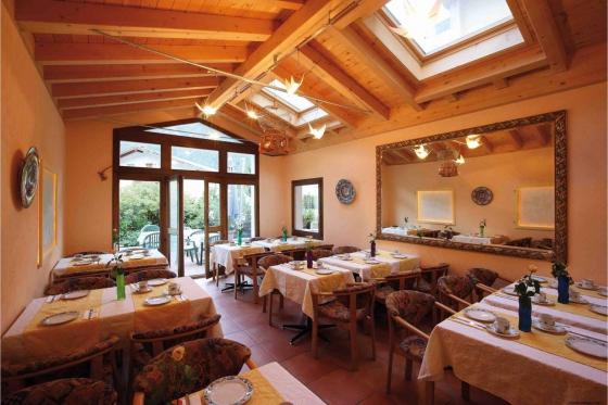 Séjour romantique en Valais - Suite Junior avec jacuzzi 5 [article_picture_small]