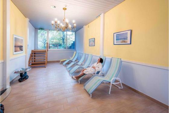 Séjour romantique en Valais - Suite Junior avec jacuzzi 9 [article_picture_small]