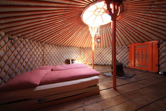 Jurtenübernachtung - Mongolische Jurten als Hotelzimmer  [article_picture_small]