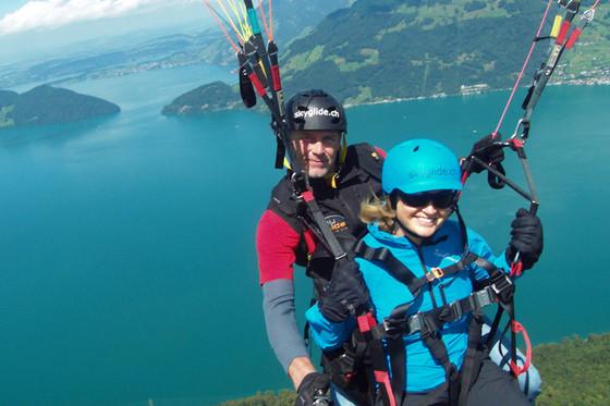 Gleitschirm Passagierflug - Panorama der Zentralschweiz   [article_picture_small]