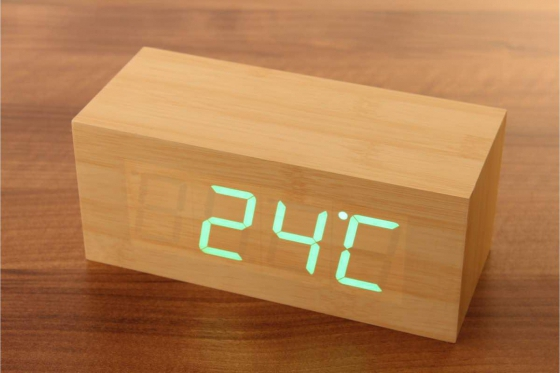 Wooden LED Wecker Cube - The Cube Bambuu 1