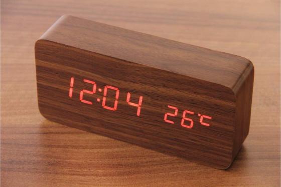 Wooden LED Wecker - Haoli braun