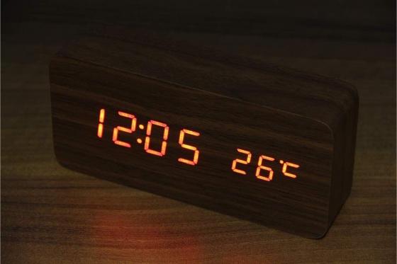 Wooden LED Wecker - Haoli braun 2