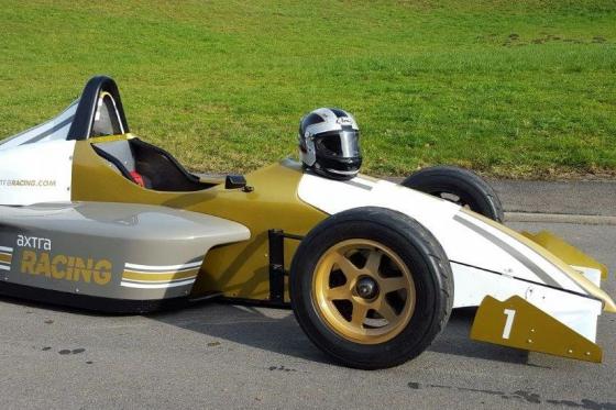 8 tours en Formule König - Au Circuit de Dijon  [article_picture_small]