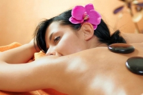 Hot Stone Massage - Wellness Gutschein in Zug