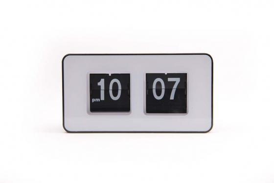 horloge flip flap. Black Bedroom Furniture Sets. Home Design Ideas