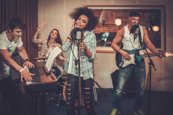 Ihren eigenen Song aufnehmen! - Songwriting Kurs mit professioneller Aufnahme  [article_picture_small]