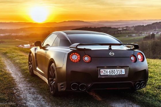 Nissan GT-R Black Edition - mit 666 PS für 2 Stunden mieten ohne Kilometer Begrenzung 1 [article_picture_small]