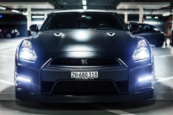 Nissan GT-R Black Edition - mit 666 PS für 2 Stunden mieten ohne Kilometer Begrenzung 3 [article_picture_small]