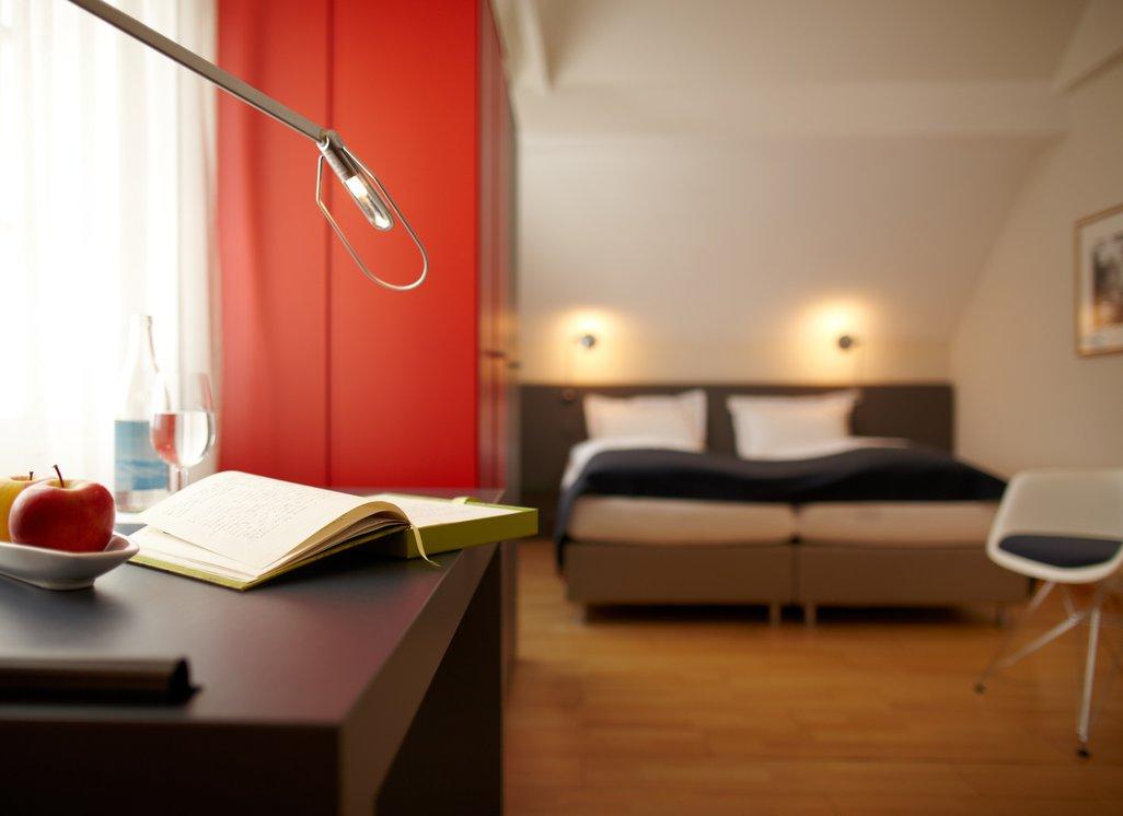 bernachtung f r 2 im z rcher oberland. Black Bedroom Furniture Sets. Home Design Ideas
