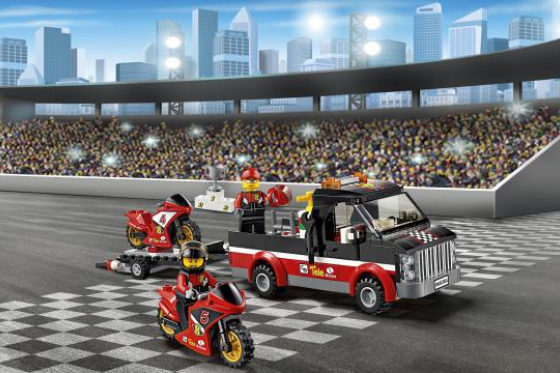 Le transporteur de motos de course - LEGO® City 7