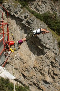 Saut à l'élastique - avec 190m de chute 2 [article_picture_small]