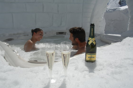 Romantik Iglu Suite - inkl. privatem Whirlpool und Fondue-Plausch 1 [article_picture_small]