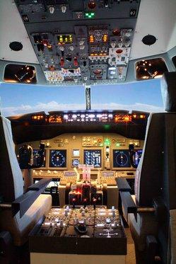 Flug Simulator Geschenk - im Cockpit einer Boeing 737 2 [article_picture_small]