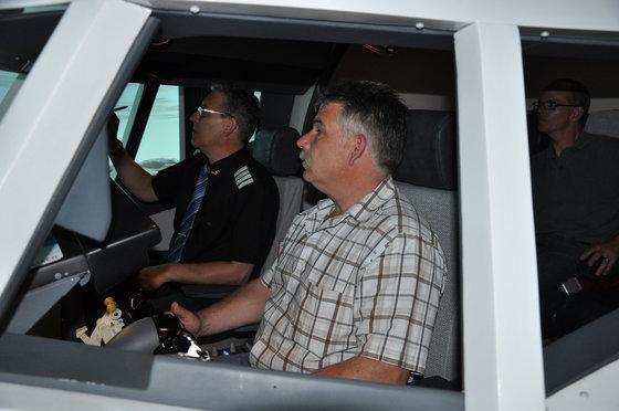 Flug Simulator Geschenk - im Cockpit einer Boeing 737 3 [article_picture_small]