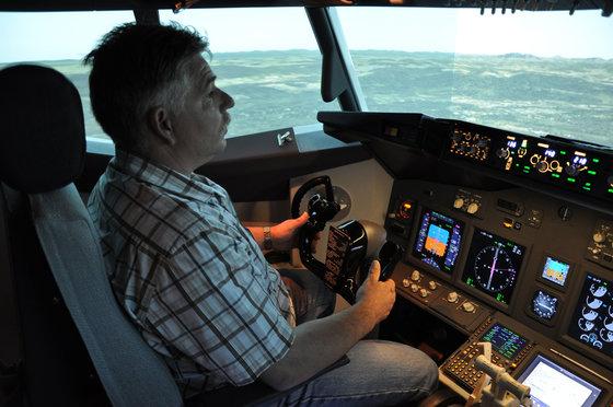 Flug Simulator Geschenk - im Cockpit einer Boeing 737 8 [article_picture_small]