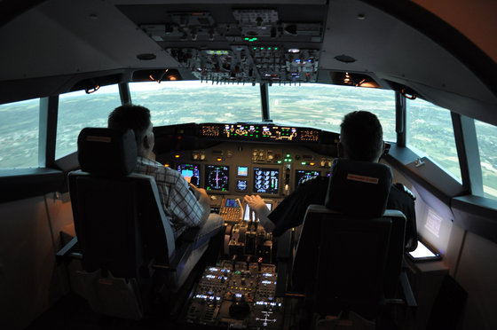 Flug Simulator Geschenk - im Cockpit einer Boeing 737 9 [article_picture_small]