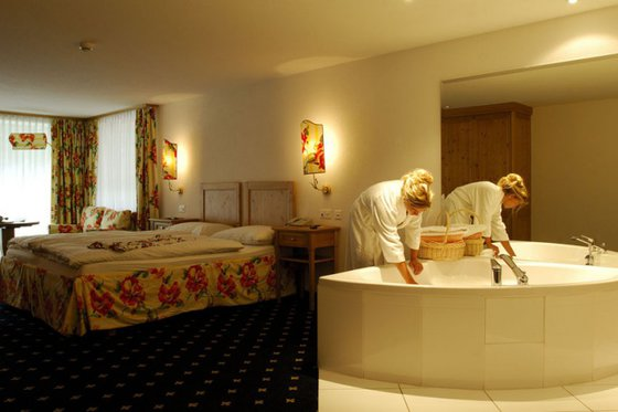 Alpiner Wellness Aufenthalt - Ferienart Resort & Spa Saas-Fee 5 [article_picture_small]