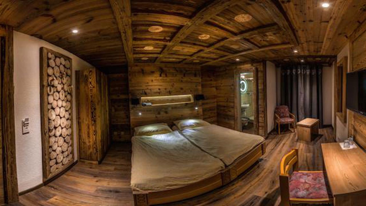 s jour pour 2 leysin. Black Bedroom Furniture Sets. Home Design Ideas