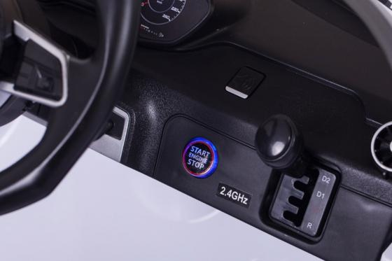Audi TTS Roadster  - voiture électrique  13