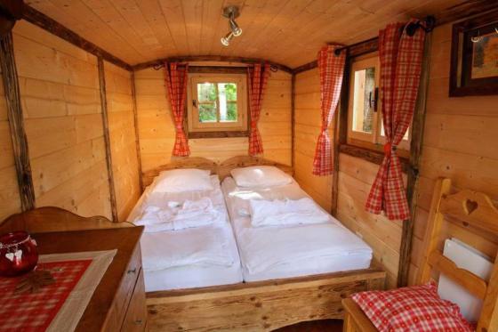 Übernachtung im Wohnwagen - Erholsamer Aufenthalt in Cergnat 2 [article_picture_small]