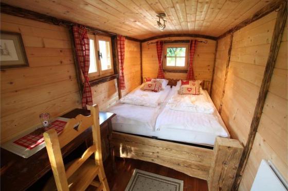 Übernachtung im Wohnwagen - Erholsamer Aufenthalt in Cergnat 3 [article_picture_small]