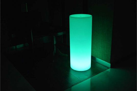 LED  Leuchte - 25x25x110cm - Multicolor 1