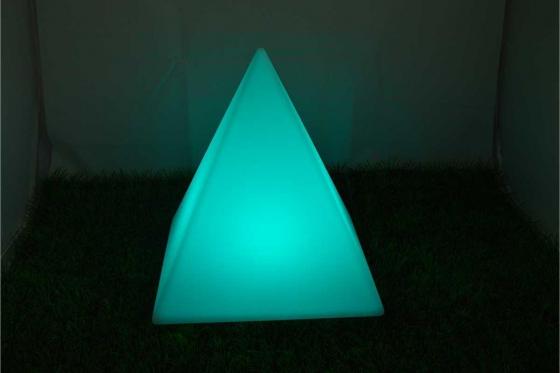 led pyramide. Black Bedroom Furniture Sets. Home Design Ideas