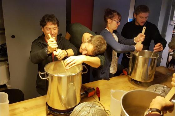 Cours de brassage - Inclus: bière à volonté, fondue et 4-5 litres de votre propre bière 2 [article_picture_small]