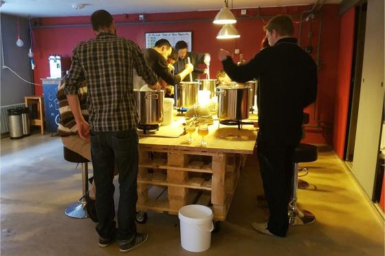 Cours de brassage - Inclus: bière à volonté, fondue et 4-5 litres de votre propre bière 3 [article_picture_small]
