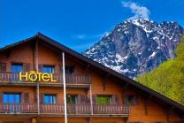 Wochenend Trip ins Wallis - Wellness und Übernachtung für 2 im Chalet-Hotel