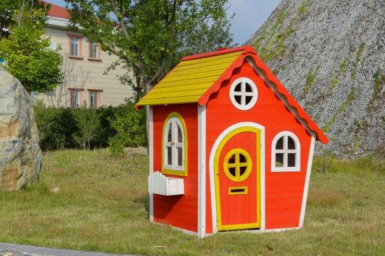 Holz Spielhaus Red Temple - von Happytoys 1