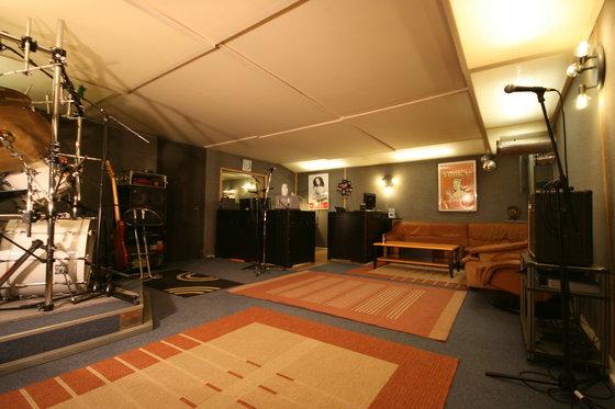Chanter un titre  - en studio d'enregistrement 1 [article_picture_small]