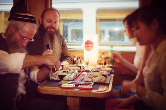 Train Sushi - Sushis et boissons pour deux personnes 3 [article_picture_small]