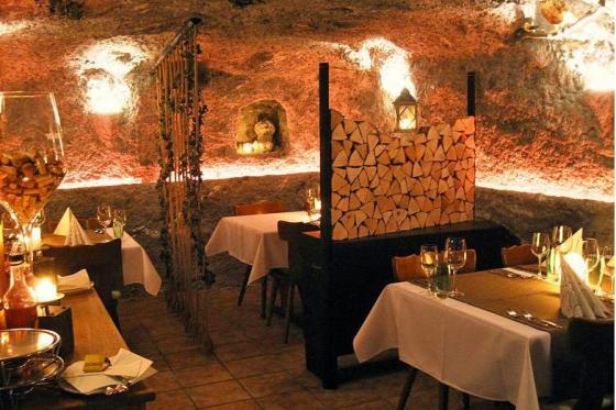 Tête-à-tête romantique - dans une grotte  [article_picture_small]