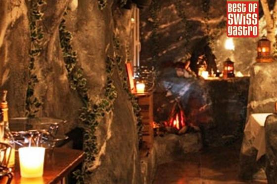 Tête-à-tête romantique - dans une grotte 1 [article_picture_small]