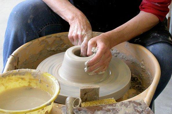 Faire de la poterie - dans un atelier de céramique  [article_picture_small]