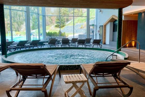 Spa & repas aux Bains d'Ovronnaz - Un moment de détente pour 2 personnes 5 [article_picture_small]