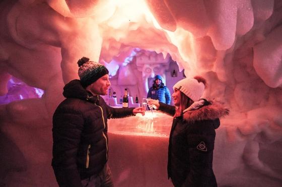 Romantische Iglu Übernachtung - inkl. Fondue, Schneeschuhwanderung, Champagner & Frühstück 11 [article_picture_small]