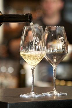 Dégustation de vin pour deux - Cave Beetschen (VD) avec apéritif et 2 bouteilles offertes  [article_picture_small]