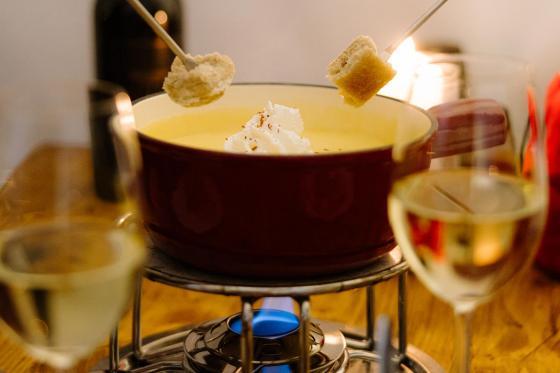 Fondue-Plausch - für 2 Personen im Schnee Iglu Restaurant Engstligenalp 3 [article_picture_small]