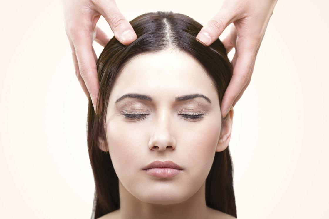 e1f7f9ea5bf78e ... Coiffeur Gutschein - Neues Hairstyling für Sie 4  [article_picture_small] ...