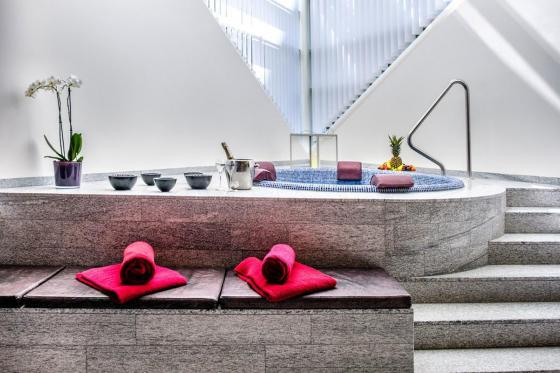 Wellness Deluxe - Deluxe Doppelzimmer im Tschuggen Grand Hotel - Sommersaison 5 [article_picture_small]