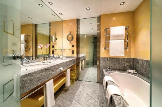 Wellness Deluxe - Deluxe Doppelzimmer im Tschuggen Grand Hotel - Sommersaison 7 [article_picture_small]