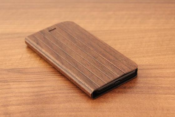 iPhone 7 Flip Case - Sandelholz