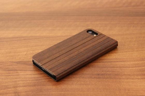 iPhone 7 Flip Case - Sandelholz 2