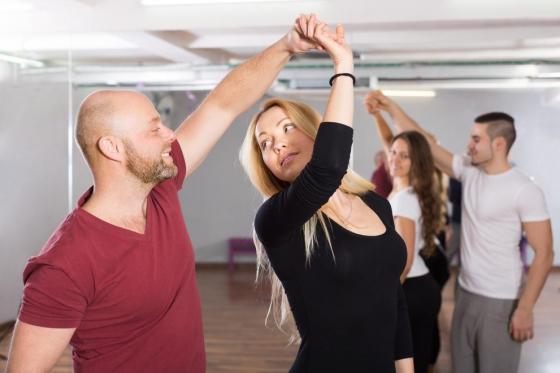 4 Wochen Tanzkurs für Anfänger - Salsa, Bachata oder Kizomba für 1 Person 2 [article_picture_small]