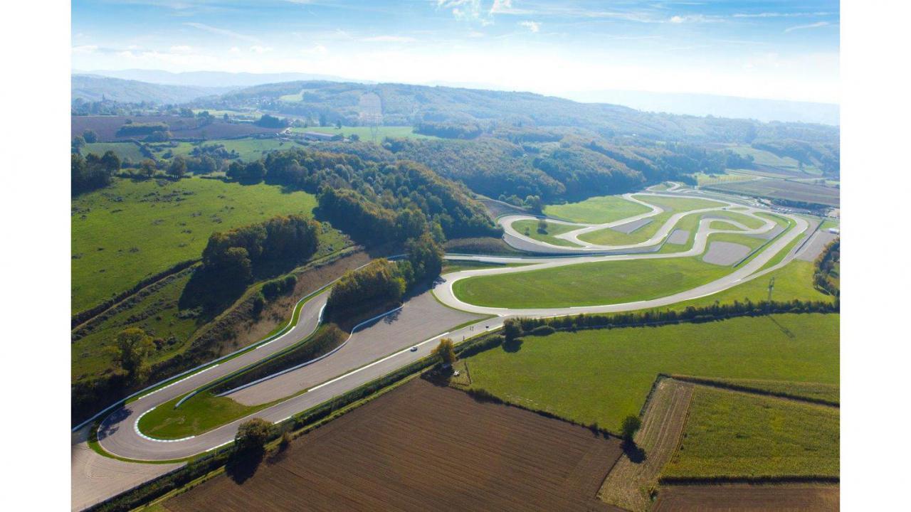 Circuit Du Laquais Calendrier.Lamborghini Huracan 3 Tours Sur Circuit Cadeaux24