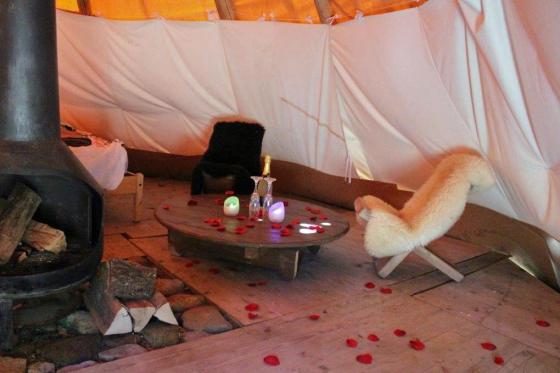 Tipi'folies - Nuit insolite romantique 1 [article_picture_small]